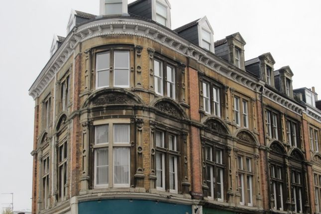 Thumbnail Flat to rent in Regent Street, Clifton