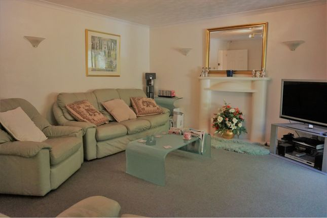 Living Room of 50 Beaumont Way, High Wycombe HP15