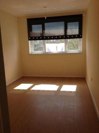 Thumbnail Flat to rent in Rannoch Drive, Renfrew