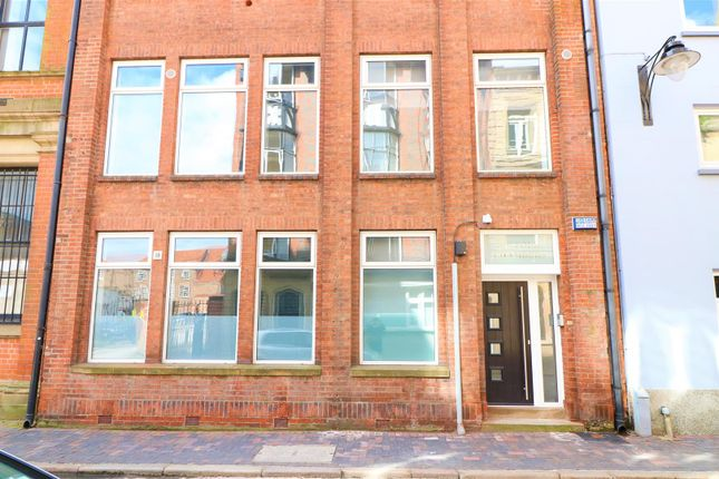 Thumbnail Block of flats for sale in Scale Lane, Hull