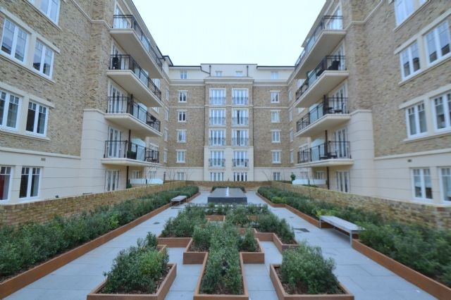 Thumbnail Flat to rent in Higham House West, 102 Carnwath Road, London