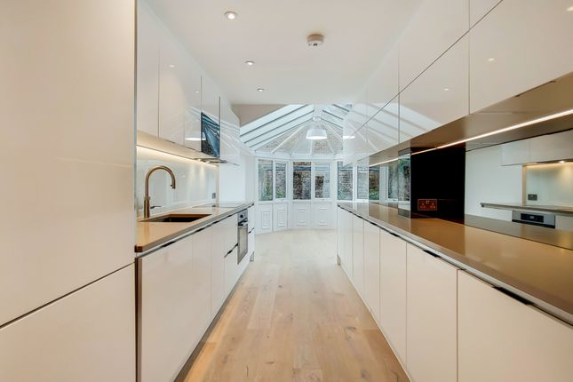 2 bed flat for sale in Bristol Gardens, London W9