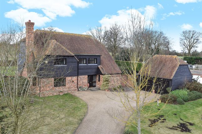 Thumbnail Property for sale in Woodhill, Send, Woking