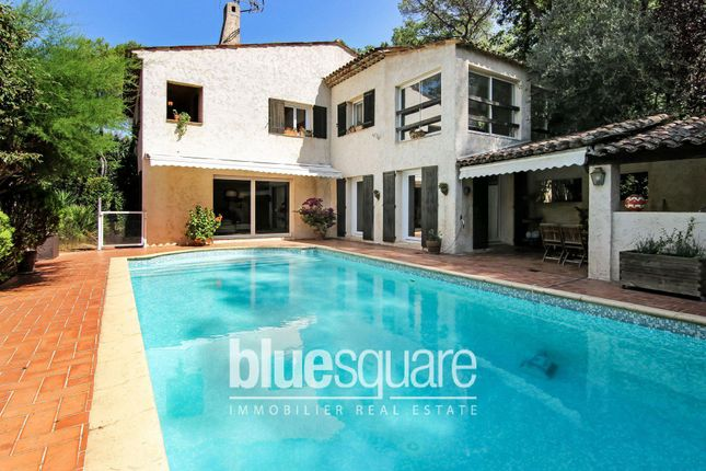 Property for sale in Mouans-Sartoux, Alpes-Maritimes, 06370, France
