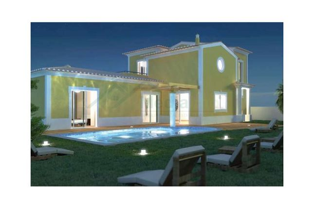 3 bed detached house for sale in Luz, Luz, Lagos