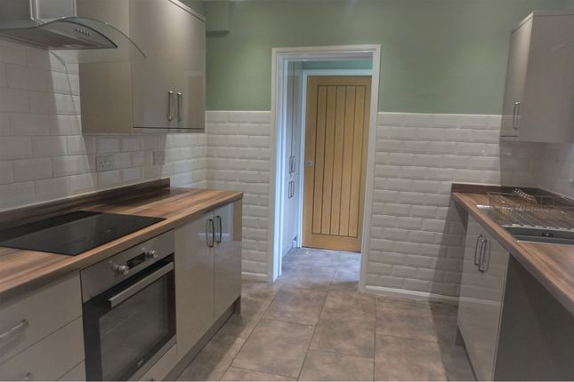 Kitchen of Severn Street, Hull HU8