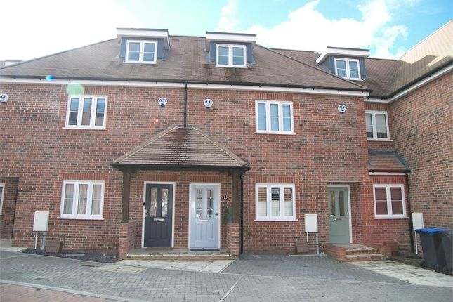 3 bed detached house for sale in Green Close, Brookmans Park, Hatfield