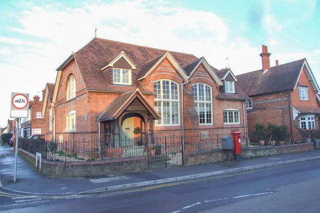 Thumbnail Property to rent in Easthampstead Road, Wokingham, Berkshire