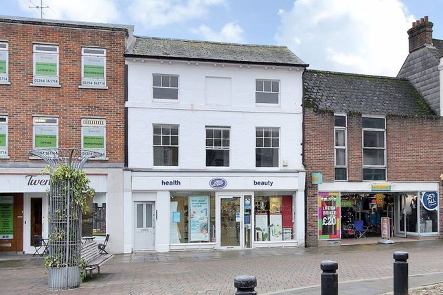 Flat to rent in High Street, Andover