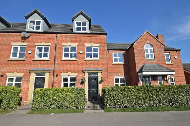 3 bed town house to rent in Thelwall Lane, Latchford, Warrington