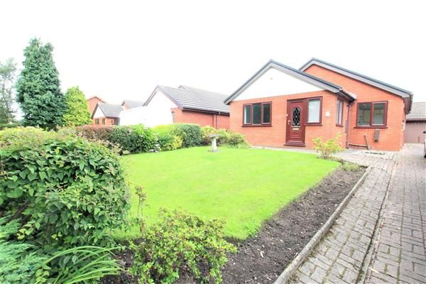 Thumbnail Detached bungalow to rent in Wateringpool Lane, Lostock Hall, Preston