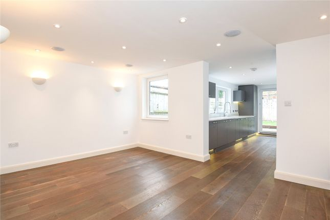 Thumbnail Terraced house for sale in Warberry Road, Alexandra Park Borders, London