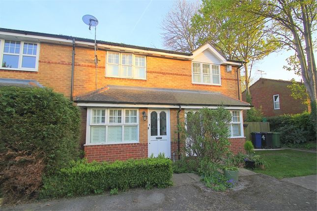 2 bed terraced house for sale in Kiln Croft Close, Marlow, Buckinghamshire