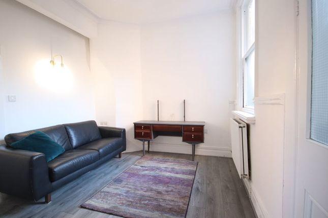 1 bed flat to rent in James Street, Blackburn BB1