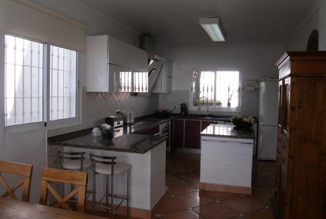 3. Kitchen (1) of Spain, Málaga, Benalmádena, La Capellanía