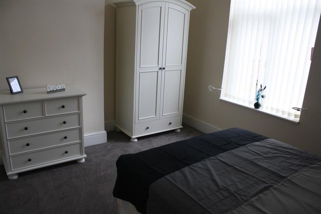 Thumbnail Property to rent in Duke Street, Shaw, Oldham