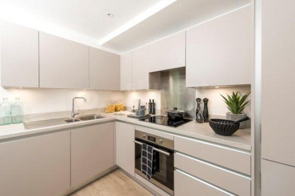 Thumbnail Flat to rent in Valentine Place, London, Greater London