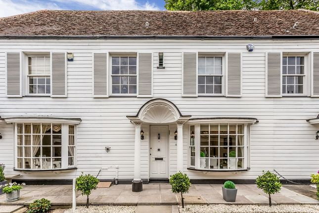 Thumbnail Mews house for sale in Kings Mews, High Road, Chigwell