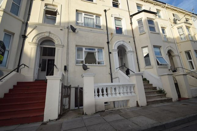 Thumbnail Flat to rent in Waverley Grove, Southsea