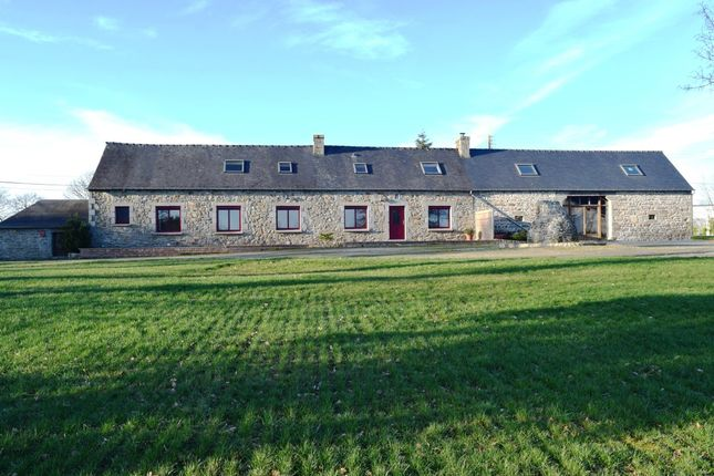 3 bed detached house for sale in 22480 Peumerit-Quintin, Côtes-D'armor, Brittany, France
