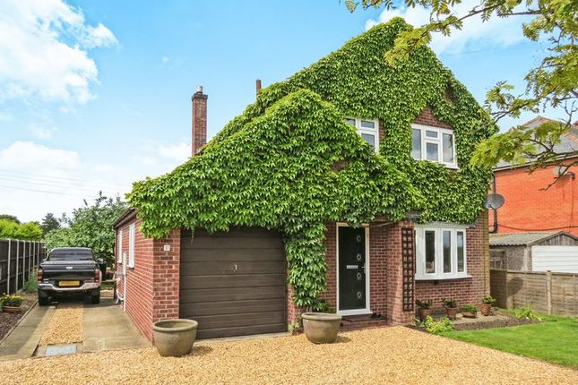 Thumbnail Detached house for sale in London Road, Osbournby, Sleaford