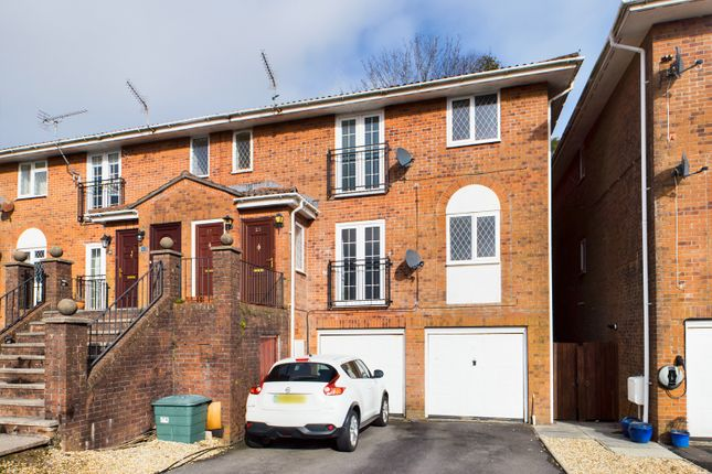 2 bed flat for sale in Newnham Crescent, Sketty, Swansea SA2