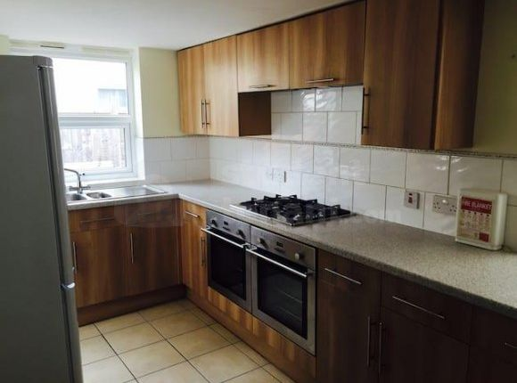 Thumbnail Shared accommodation to rent in Marle Hill Parade, Cheltenham, Gloucestershire