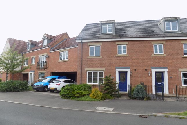 Thumbnail Town house to rent in Collingsway, Darlington