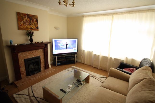 Thumbnail Semi-detached house to rent in Talbot Avenue, Roundhay, Leeds, West Yorkshire
