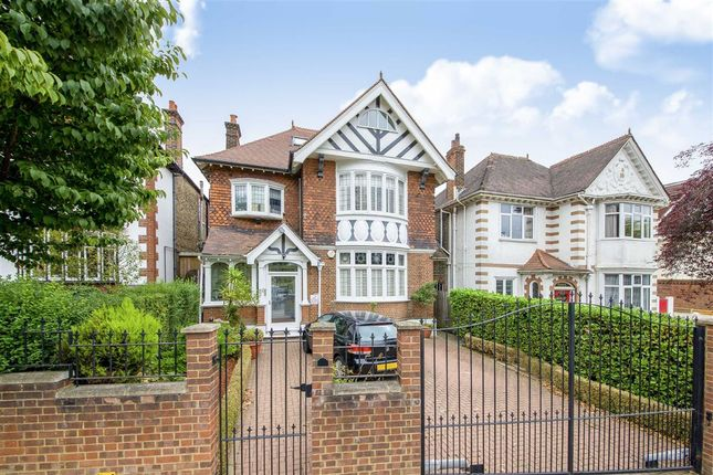 Thumbnail Detached house to rent in Streatham Common South, London