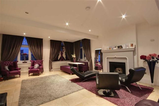 Thumbnail Flat to rent in Royal Connaught Drive, Bushey