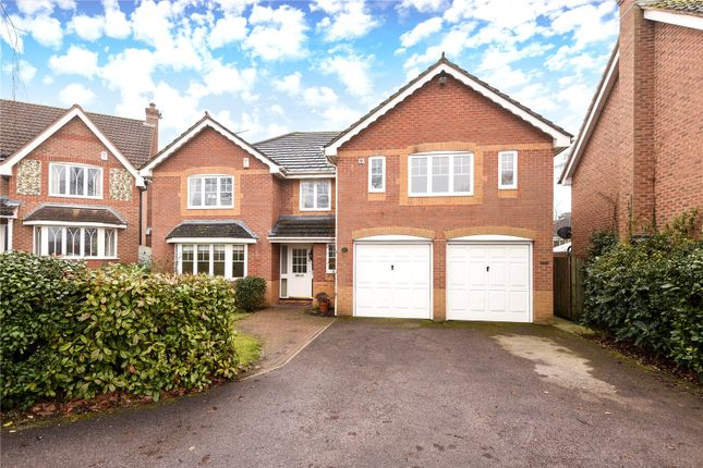 Picture No. 29 of Twycross Road, Wokingham, Berkshire RG40