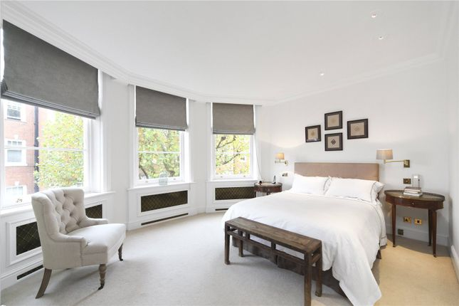 Picture No. 13 of Sloane Court East, London SW3