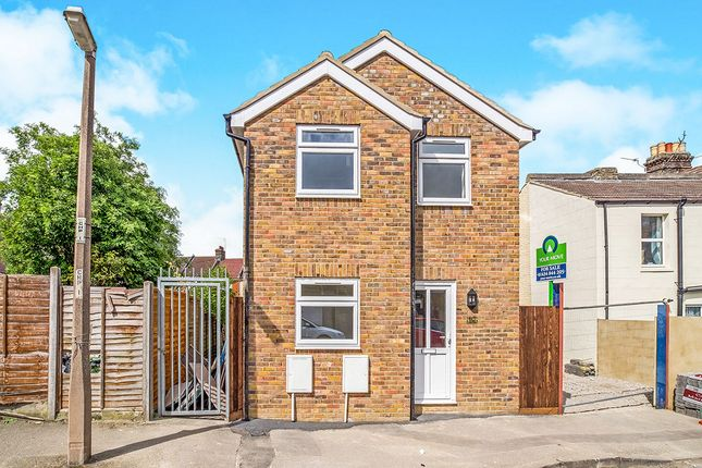 Thumbnail Detached house for sale in Church Street, Rochester