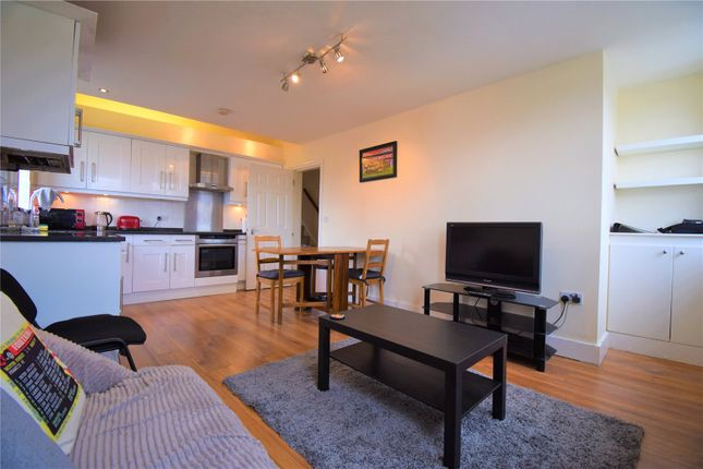 Thumbnail Flat for sale in Queens Lane, Muswell Hill, London