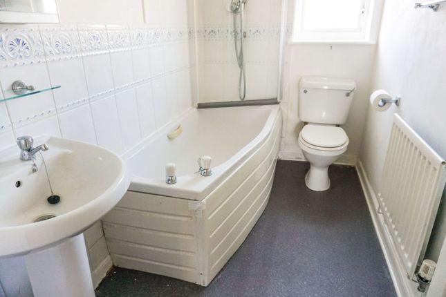 Family Bathroom of Assheton Close, Newton-Le-Willows WA12