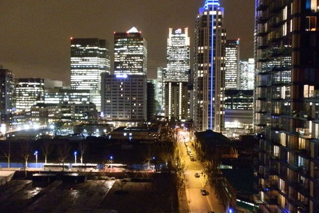Thumbnail Flat to rent in Colbalt Point, Canary Wharf