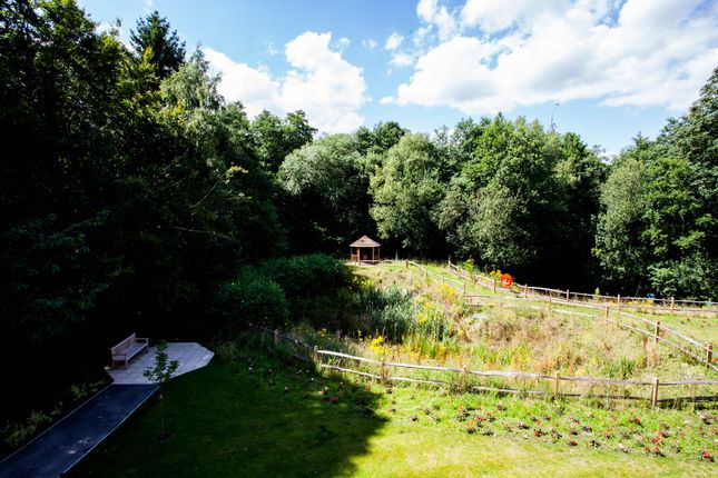 Thumbnail Flat for sale in 4 Bush Davies House, Charters Village Drive, East Grinstead, West Sussex