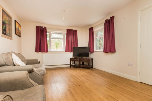 Lounge Area of High Street, Irthlingborough, Wellingborough NN9
