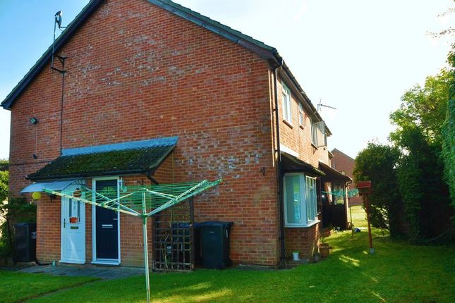 1 bed property for sale in Eleanor Court, Ludgershall, Andover SP11