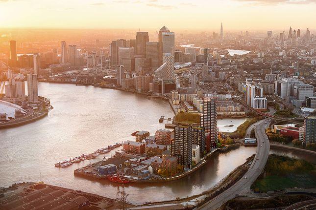River Thames, Canary Wharf View