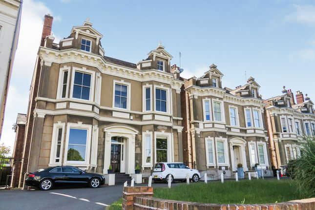 Thumbnail Flat for sale in Clarendon Place, Leamington Spa