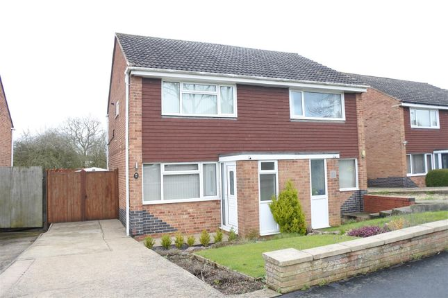 2 bed semi-detached house to rent in Branston Crescent, Melton Mowbray
