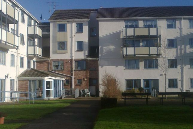 Thumbnail Flat to rent in Cwrt Severn, West End, Caldicot