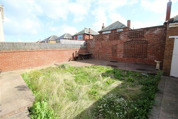 Garden of Freemantle Avenue, Blackpool FY4