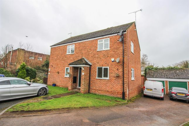 Thumbnail Maisonette for sale in Leat Close, Sawbridgeworth