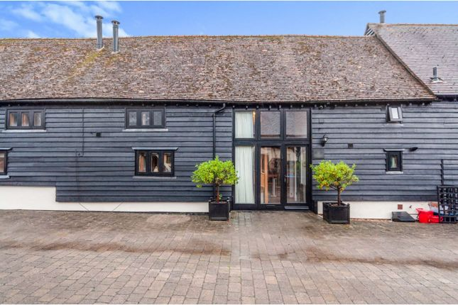 Thumbnail Barn conversion for sale in Weston Road, Stevenage