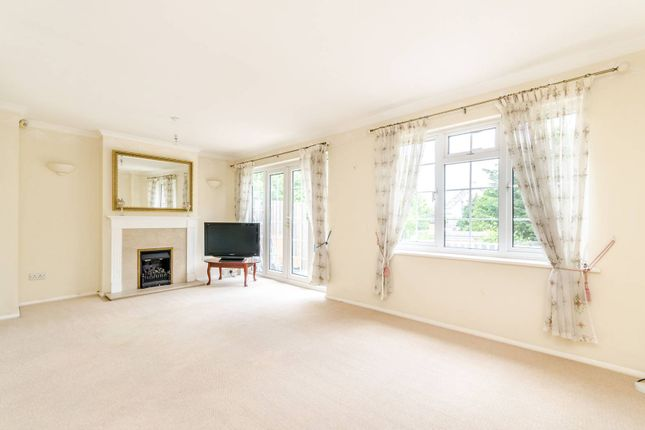 Thumbnail Property to rent in Chiltern Gardens, Bromley South, Bromley