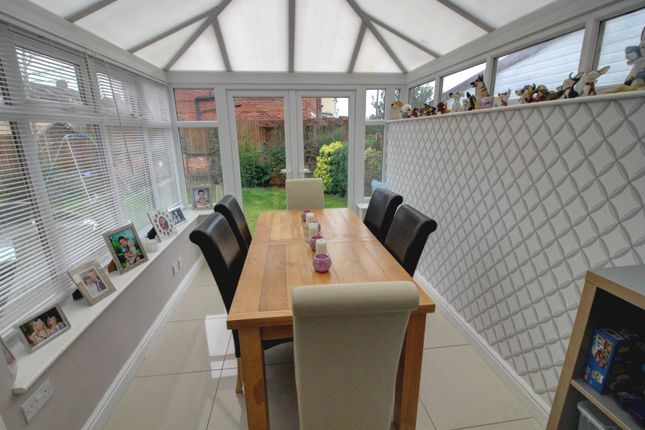 Conservatory of Cairns Close, Braunstone, Leicester LE3