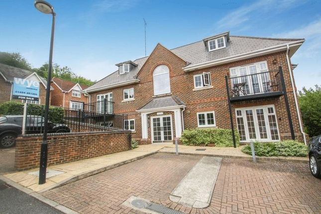 Thumbnail Flat for sale in Kingfisher Place, The Sidings, High Wycombe